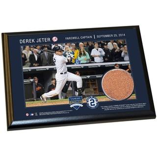 Derek Jeter Final Yankee Moment 5x7 Dirt Plaque (Farewell)