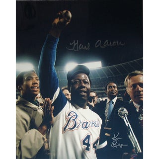 Hank Aaron One Arm Up w/ Ball in Hand Color Vertical 16x20 Photo Signed by Photographer Ken Regan