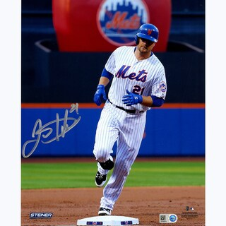 Lucas Duda Signed Rounding the Bases 8x10 Photo (MLB Auth)