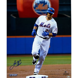 Lucas Duda Signed Rounding the Bases 16x20 Photo (MLB Auth)