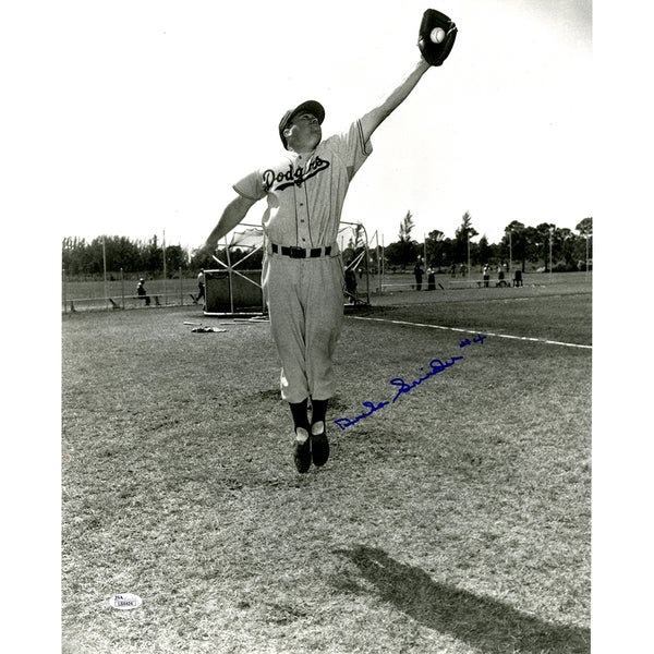 Duke Snider Signed B/W Catching 16x20 Photo (JSA)