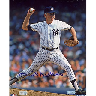 Phil Niekro Yankees Pinstripe Uniform Pitching Vertical 8x10 Photo (MLB Auth)
