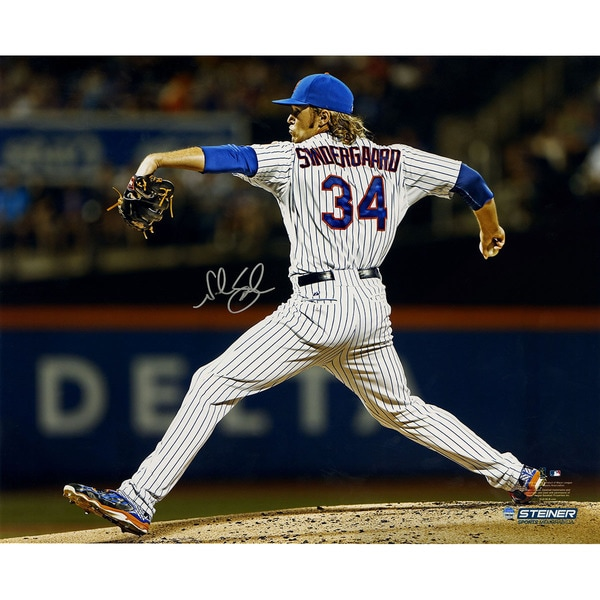 Noah Syndergaard Signed 2015 Pitching At Citi Field 16x20 Metallic Photo
