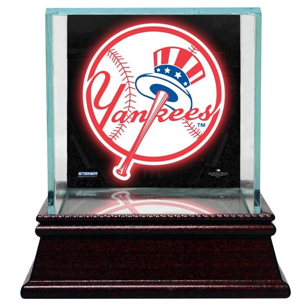 New York Yankees Glass Single Baseball Case with Team Logo Background