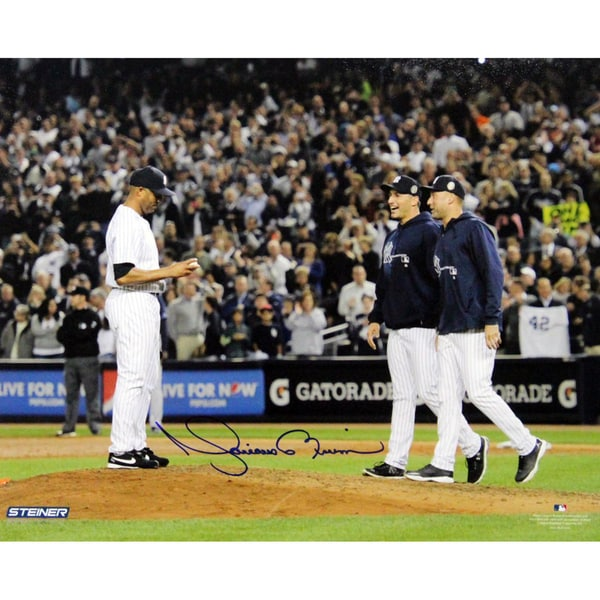 Mariano Rivera Mound w/Pettitte & Jeter At Yankee Stadium Signed 8x10 Photo