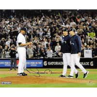 Mariano Rivera Mound w/Pettitte & Jeter At Yankee Stadium Signed 8x10 Photo