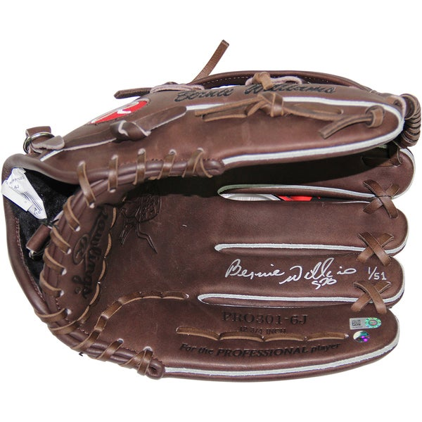 Bernie Williams Signed Rawlings Embroidered Fielding Glove (LE/51)