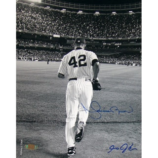 Mariano Rivera 2006 Entering The Game B&W 8x10 Photo (Signed By Anthony Causi)