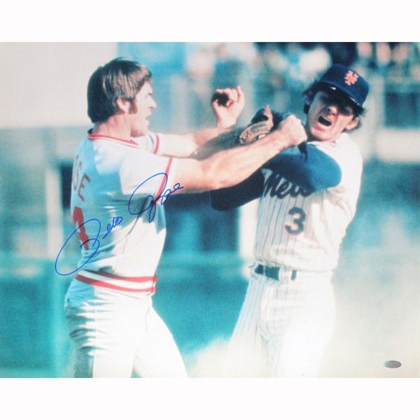 Pete Rose Signed Fight vs. Harrelson Horizontal 16x20 Photo
