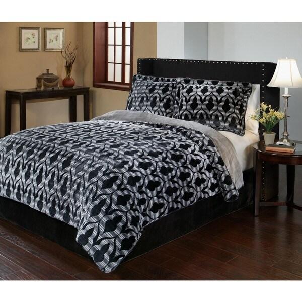 Shop Merekesh Velvet Plush Print Comforter Set