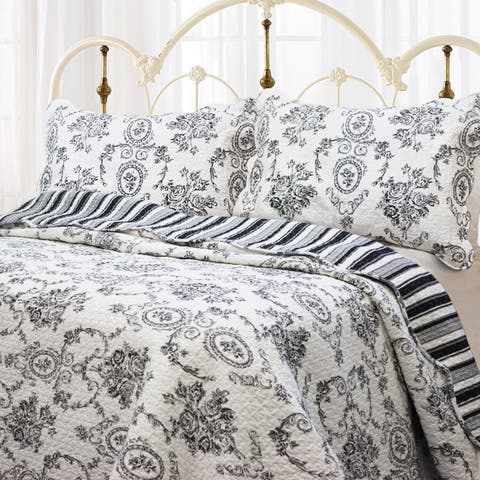Gracewood Hollow Rio French Medallion King Sized Sham Set (Set of 2)