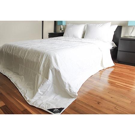 """Triumph Hill"" Silk Heavy Weight Bed Comforter"