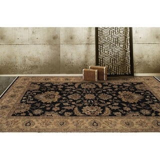Bethany Black Traditional Hand-knotted Rug (10' x 14')