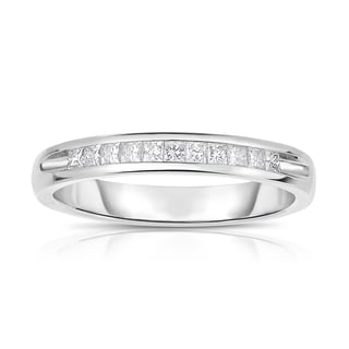Eloquence, 14k White Gold 1/4ct TW Channel Set Princess Cut Diamond Band