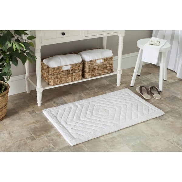 Safavieh Handmade Plush Master Bath White/ White Cotton Rug (1' 9 x 2' 10)