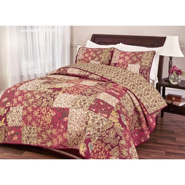 Stanfield Traditional Patchwork Reversible Quilt Set