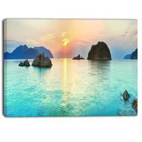Designart - Sunrise Panorama - Photography Canvas Art Print - Aqua/Gold