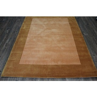Tone-on-tone Solid Gold Area Rug (5' x 7')