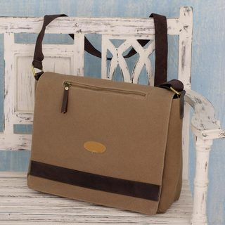 Handmade Cotton Canvas 'Indian Brown' Laptop Messenger Bag (India)