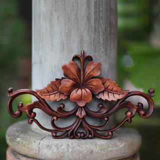 Handcrafted Suar Wood 'Hibiscus' Wall Sculpture (Indonesia)