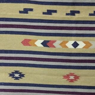 Handmade Wool 'Singular Beauty' Dhurrie Rug 4x6 (India)
