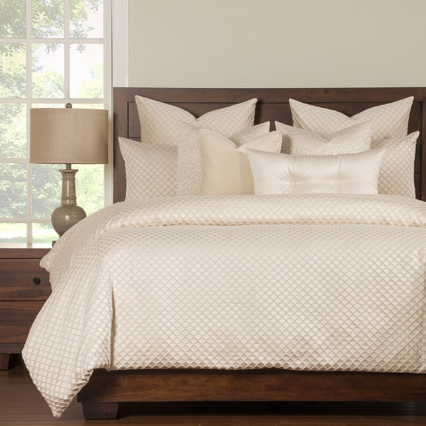Siscovers Lyra Luxury 6-piece Ivory Bedding Set. Opens flyout.