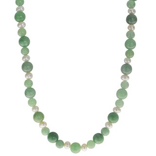 Pearls For You Sterling Silver Jade and White Freshwater Pearl Necklace (4.5-5mm)