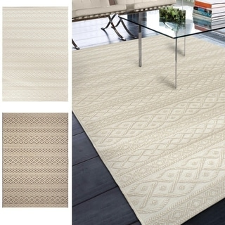 "Indoor/Outdoor Stripes Fisherman's Knot Area Rug (5'1"" x 7'6"")"