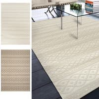Carolina Weavers Seaside Collection Fisherman's Knot Beige Area Rug (7'7 x 10'10)