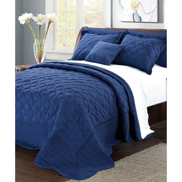 Serenta Solid Quilted Quatrefoil Cotton 4-Piece Bedspread Set
