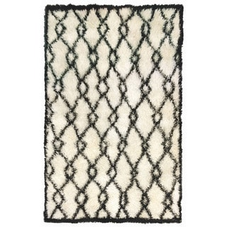 Decorative Shaggy Outdoor Rug (5' x 7'6)