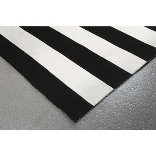 Wide Stripe Outdoor Rug (5' x 7'6)