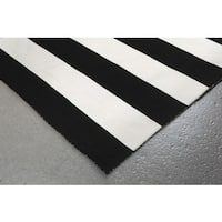 Wide Stripe Outdoor Rug (5' x 7'6) - 5' x 7'6