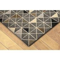 Geometric Indoor Rug (5' x 8') - 5' x 8'