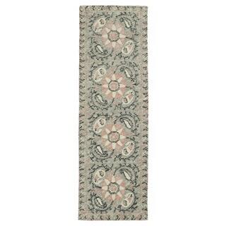 Hand-Tufted Mi Casa Grey Suzani Rug (2'6 x 8') - 2'6 x 8'