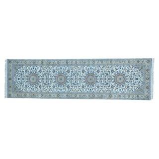 Nain 250 KPSI Wool and Silk Handmade Oriental Runner Rug (2'9 x 10')