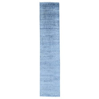 Wool and Silk Damask Tone On Tone Hank Knotted Runner Rug (2'6 x 11'9)