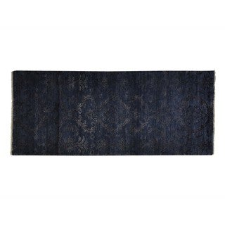 Damask Wool and Silk Tone On Tone Hand-knotted Runner Rug (2'8 x 6'4)