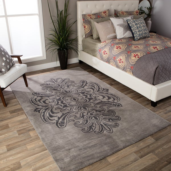 Andrew Charles Ogee Collection Grey Area Rug (5' x 8') - 5' x 8'