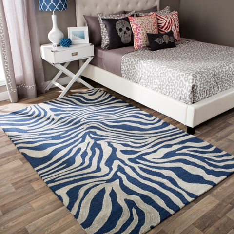 Andrew Charles Snow Leopard Collection Zebra Navy Area Rug (8' x 10') - 8' x 10'