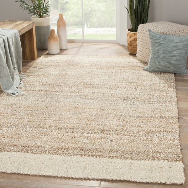 Delphin Natural Bordered White/ Tan Area Rug - 4' X 6'