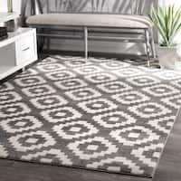 nuLOOM Power-Loomed Geometric Abstract Fancy Pixel Trellis Grey Rug (7'10 x 11'2) - 7'10 x 11'2