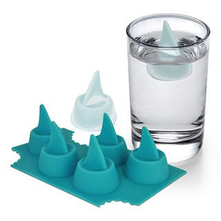 Sharks in My Glass. Silicone Shark Fin Ice Cube Tray|https://ak1.ostkcdn.com/images/products/11391681/P18358860.jpg?impolicy=medium