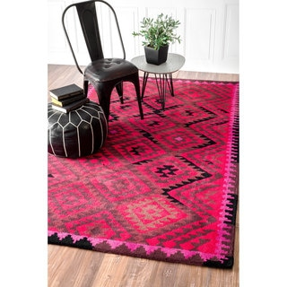 nuLOOM Handmade Tribal Wool Fancy Fuchsia Rug (4' x 6')