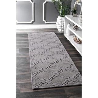 nuLOOM Handmade Modern Trellis Fancy Wool Grey Runner Rug (2'6 x 8')
