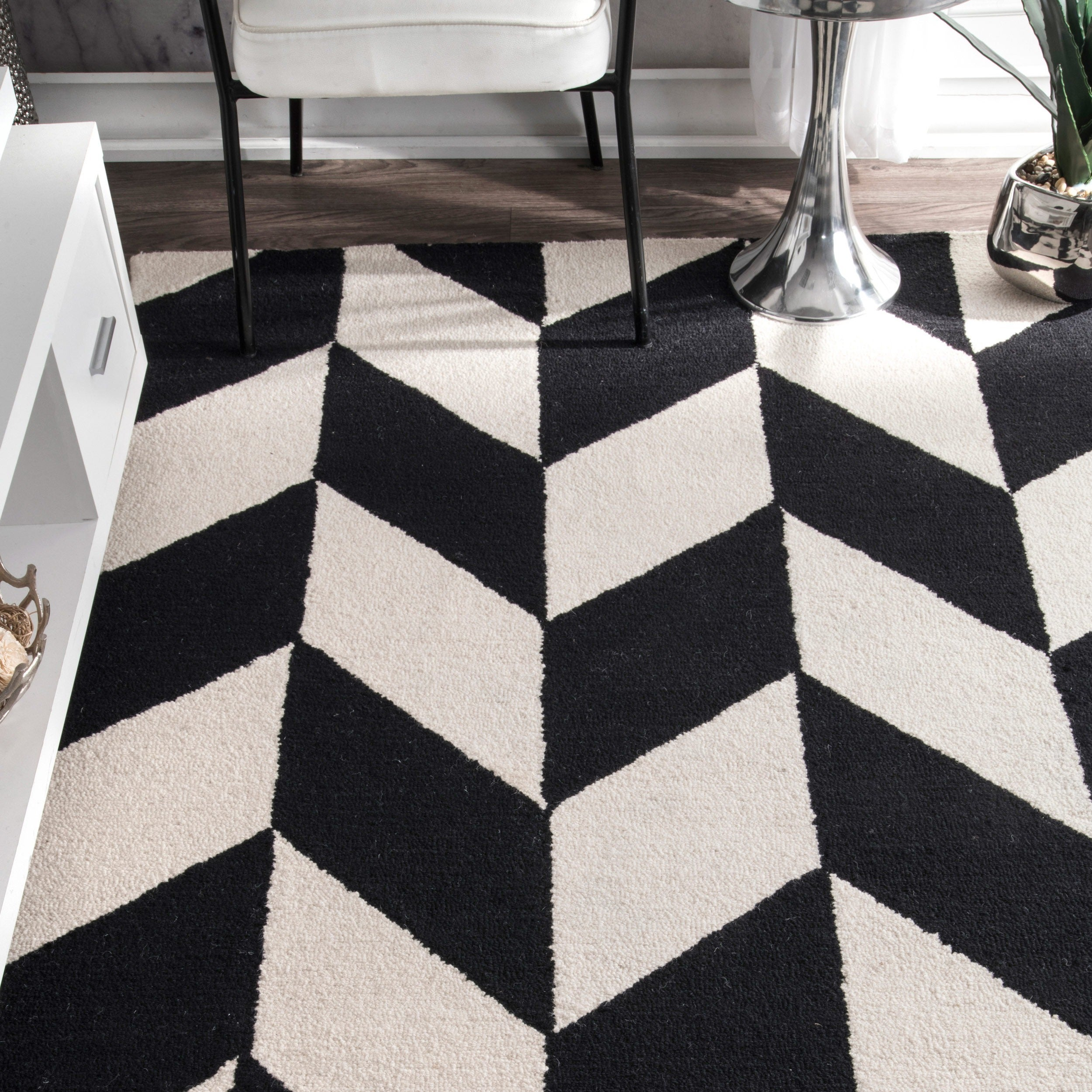 nuLOOM-Black-and-White-Handmade-Mod-Tiles-Wool-Area-Rug thumbnail 7