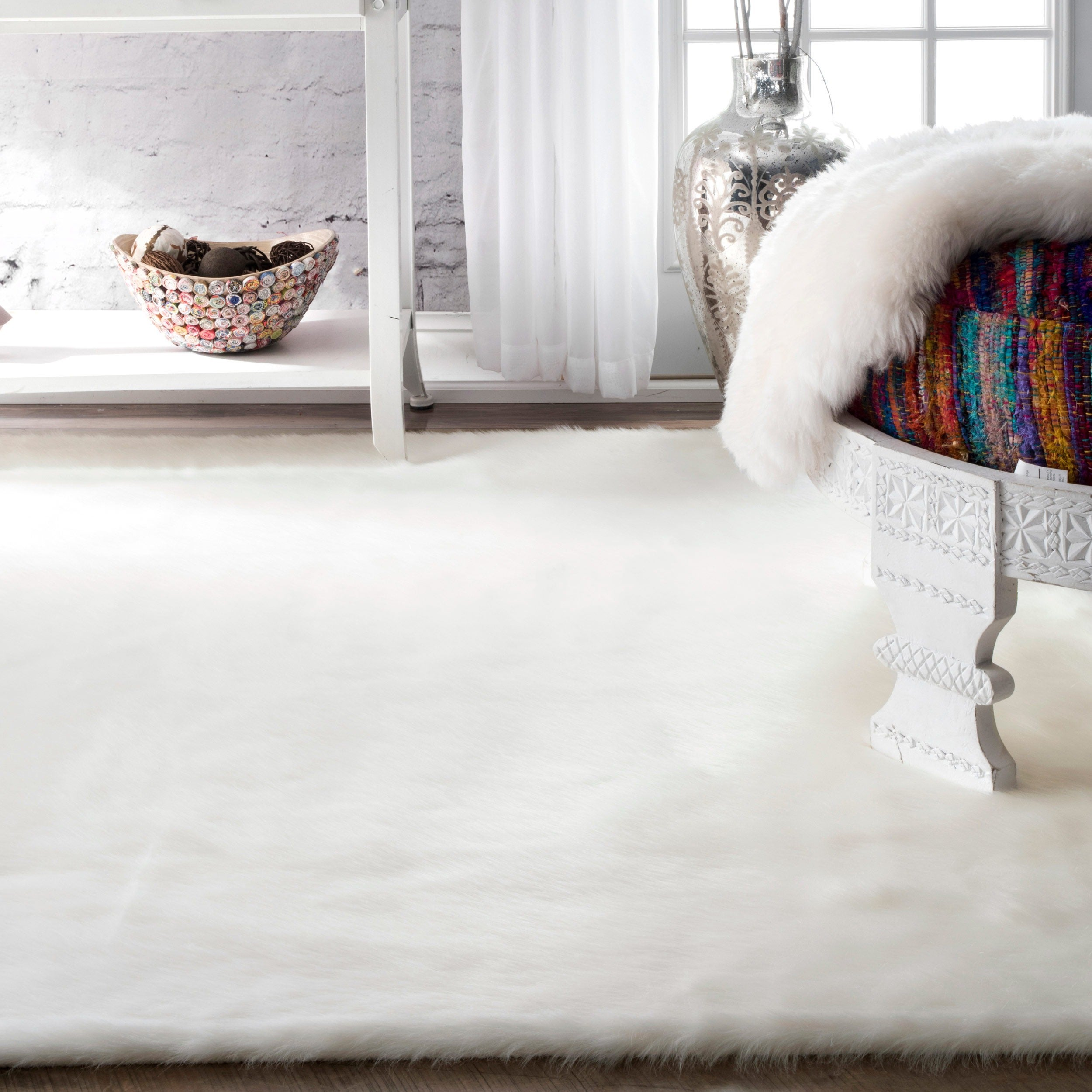 Silver Orchid Rus Cozy Soft And Plush Faux Sheepskin Solid White Rug 5