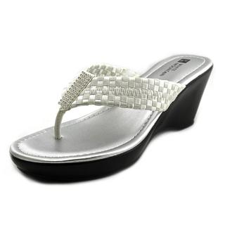 White Mountain Women's 'Wishlist' Fabric Sandals