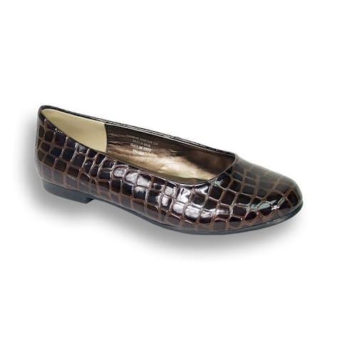 Fic Peerage Tess Womens Extra Wide Width Glossy Flats