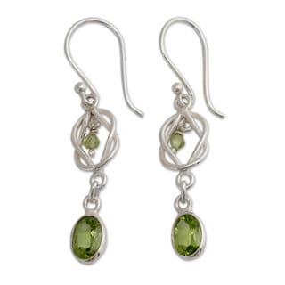 Handmade Sterling Silver 'Lime Knot' Peridot Earrings (India)